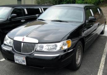 1-3 P - Lincoln Town Car
