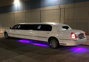 1-3 P - Lincoln Town Car Limousine Ext